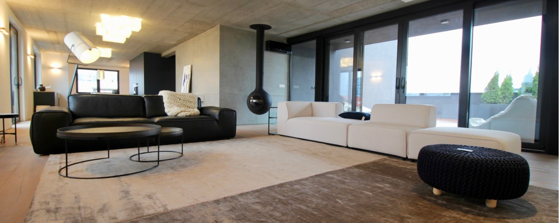 Veľký elegantný 4i byt v centre na Vazovovej s veľkou 50m terasou s jacuzzi