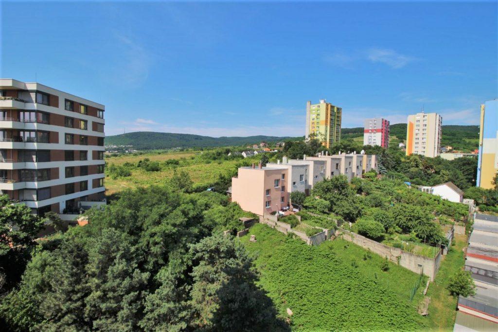 Sadmelijská 1, 831 06 Bratislava