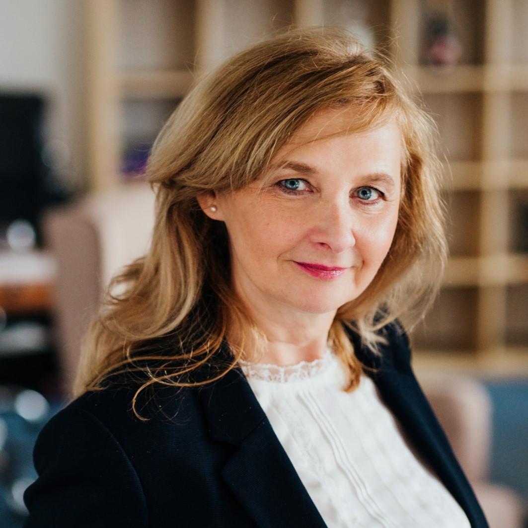 Jana Hoozová - senior real estate agent EDREY